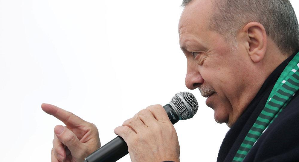 Turkish President Recep Tayyip Erdoğan addresses his supporters in Konya, Turkey, December 17, 2018.
