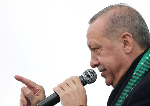 Turkish President Recep Tayyip Erdoğan addresses his supporters in Konya, Turkey, December 17, 2018.