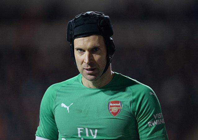 Arsenal forması giyen Çek kaleci Peter Cech