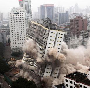 Yıktırılan bina ve köprüler