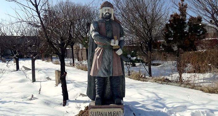 Çin'de yaptırılıp Van'a getirilen Osmanlı padişahının mermer heykeli