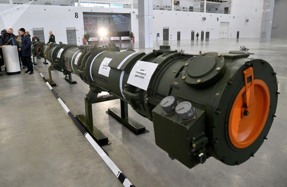 9M729 füzesi kamuoyuna tanıtıldı