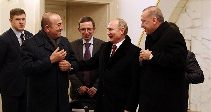 Dışişleri Bakanı Mevlüt Çavuşoğlu, Rusta Devlet Başkanı Vladimir Putin, Cumhurbaşkanı Recep Tayyip Erdoğan