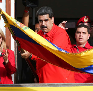 Venezüella Devlet Başkanı Nicolas Maduro başkanlık sarayı önünde halka hitap etti