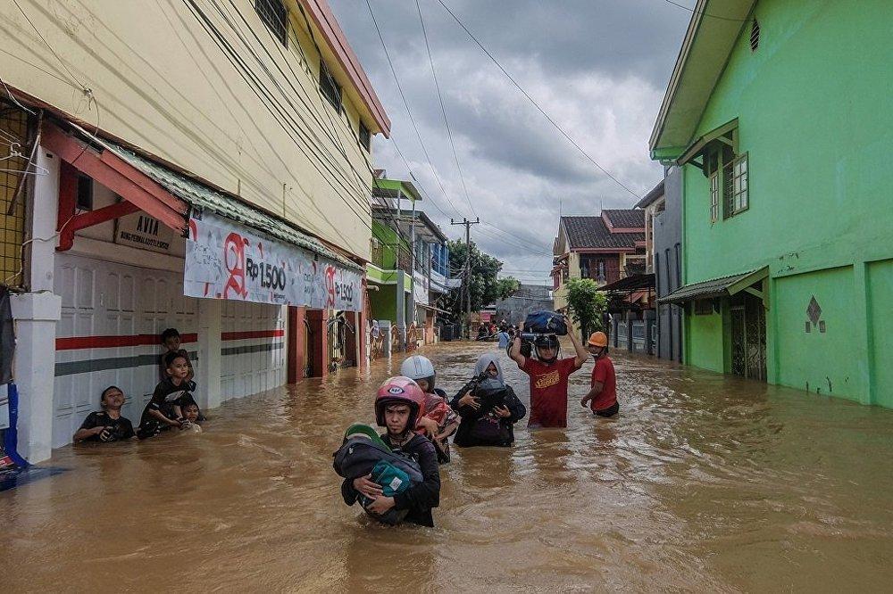 Endonezya'da sel ve heyelan