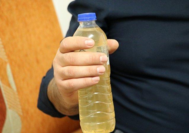 'Marketten aldığım pet şişedeki suyun rengi 1 haftada değişti'