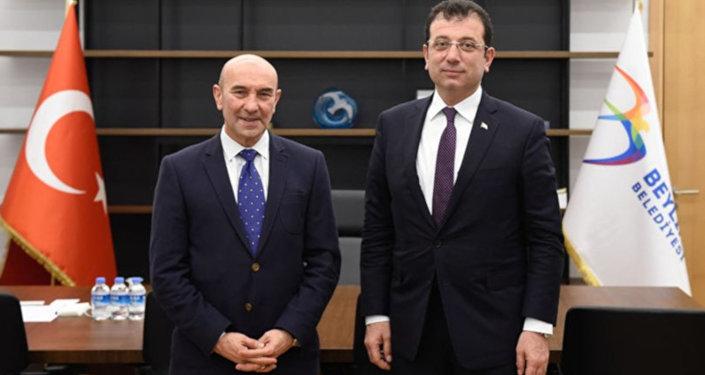 CHP'nin İzmir Büyükşehir Belediye Başkan Adayı Tunç Soyer, partisinin İstanbul Büyükşehir Belediye Başkan Adayı Ekrem İmamoğlu'na destek ziyaretinde bulundu.
