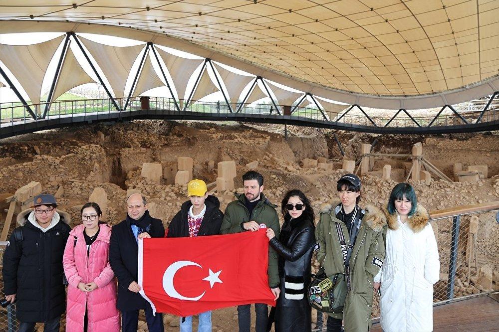 'Seni romantik Türkiye'ye götürmek istiyorum' diyen Çinli şarkıcı Türkiye'de