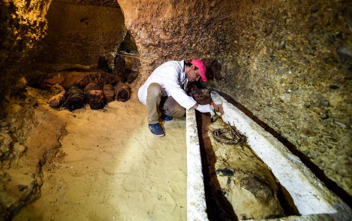 Mısırlı arkeologların ilk büyük keşfi: Luksor'da mumyalı tam 30 tabut bulundu