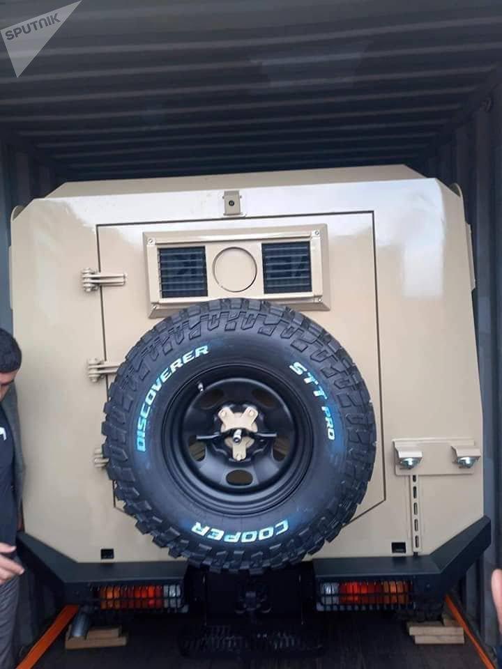 Libya'daki limanında ele geçirilen Türk yapımı askeri araçlar.