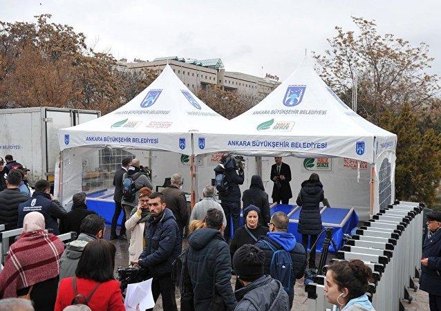 Ankara'da kurulan ilk sebze, meyve satışı yapacağı tanzim satış çadırı