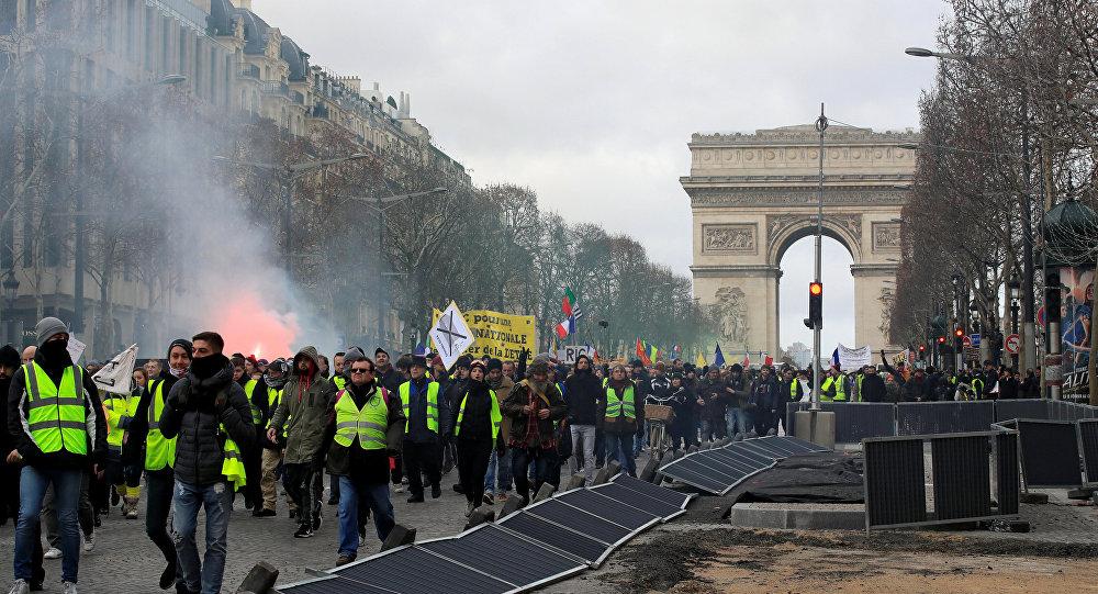 Fransa'da Sarı Yelekler 13. haftasında