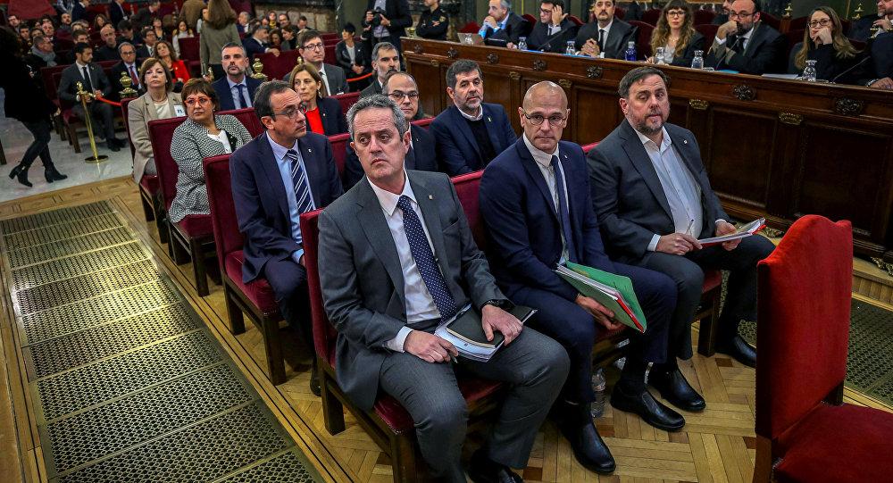 Madrid'deki İspanya Yüksek Mahkemesi'nde Katalan ayrılıkçı liderlerin davası