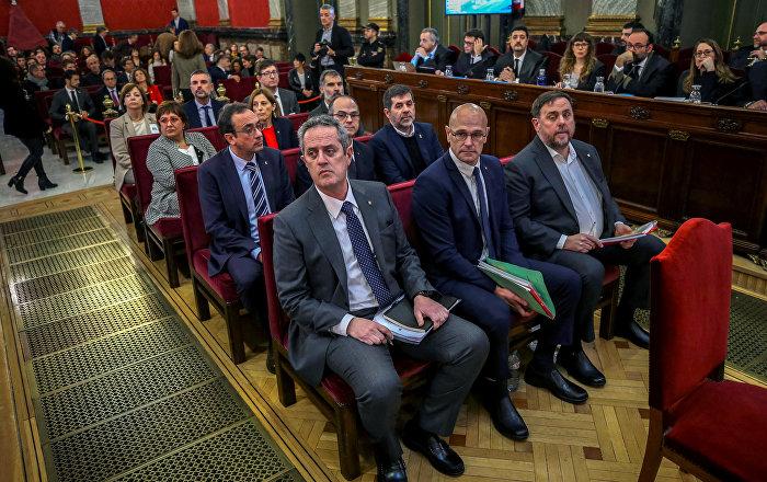 Katalan bağımsızlık liderleri sanık sandalyesinde, İspanya hükümeti bıçak sırtında