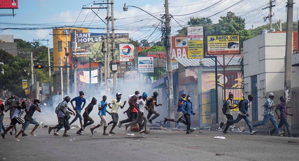 Haiti'deki bir hapishanenin bütün mahkumları kaçtı