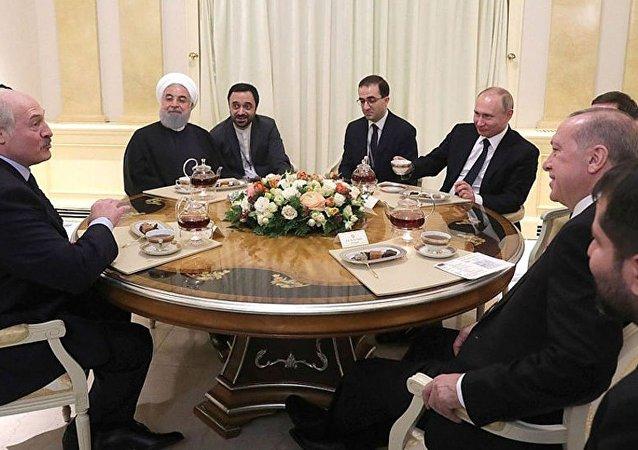 Rusya Devlet Başkanı Vladimir Putin, Cumhurbaşkanı Recep Tayyip Erdoğan, İran Cumhurbaşkanı Hasan Ruhani, Belarus Devlet Başkanı Aleksandr Lukaşenko