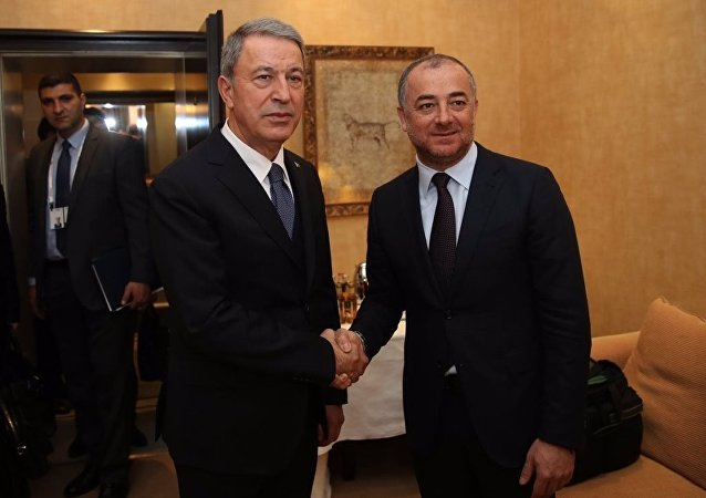 Lübnan Savunma Bakanı İlyas Bu Saab ve Türkiye Savunma Bakanı Hulusi Akar