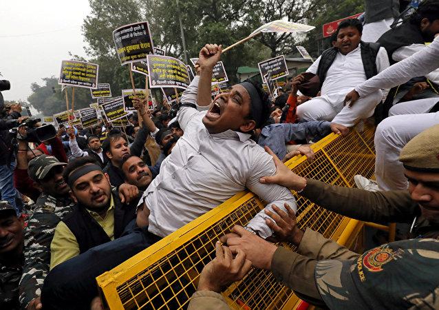 Keşmir saldırısı Hindistan'da protesto edildi