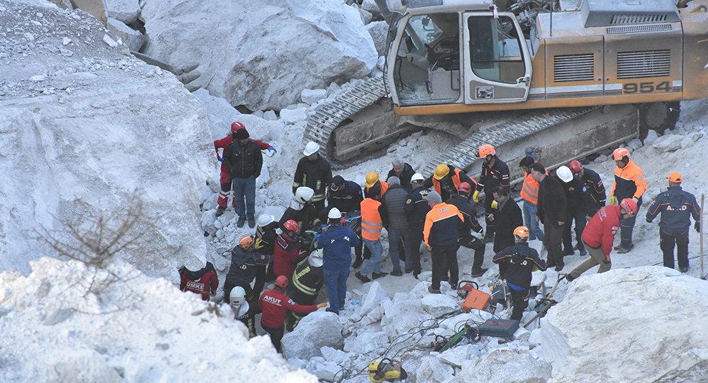 Milas - Maden sahasında heyelan