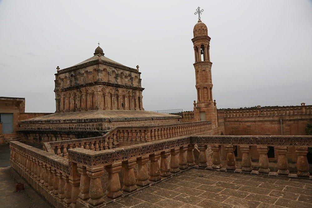 Mardin'in Midyat İlçesideki tarihi yapılar