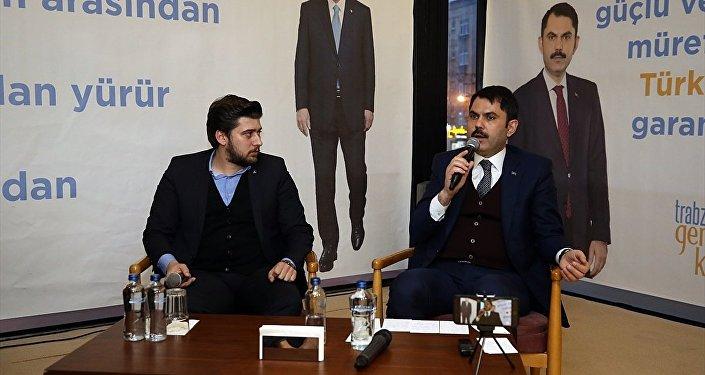 Çevre ve Şehircilik Bakanı Murat Kurum (sağda)