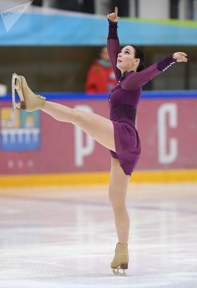2012 Dünya Şampiyonası'nın gümüş madalya sahibi St. Petersburglu Alyona Leonova.