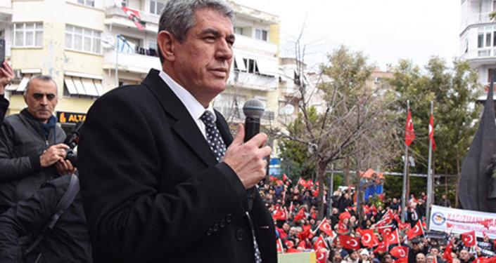 İzmir'de adaylığı ilçe seçim kurulu tarafından düşürülen Balçova Belediye Başkanı ve CHP'nin belediye başkan adayı Mehmet Ali Çalkaya'nın beklediği karar, İl Seçim Kurulu'nca verildi. Çalkaya'nın durumunu görüşen kurul, memnu haklarının iadesi belgesini gerektirecek bir durumunun bulunmadığına karar verdi.