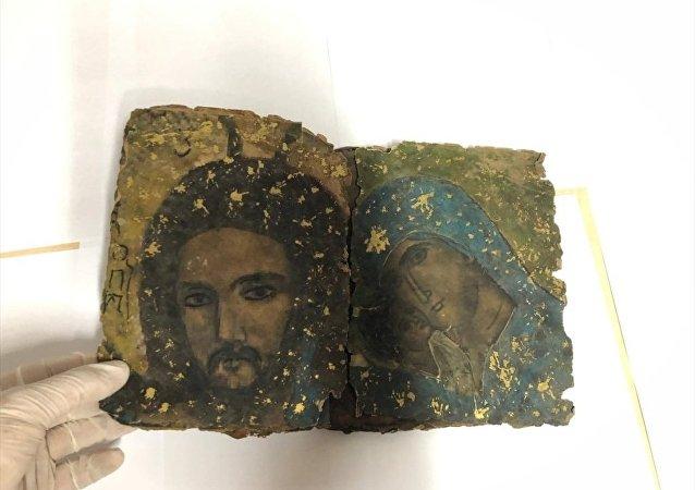 Diyarbakır'da ele geçirilen 800 yıllık İbranice kitap