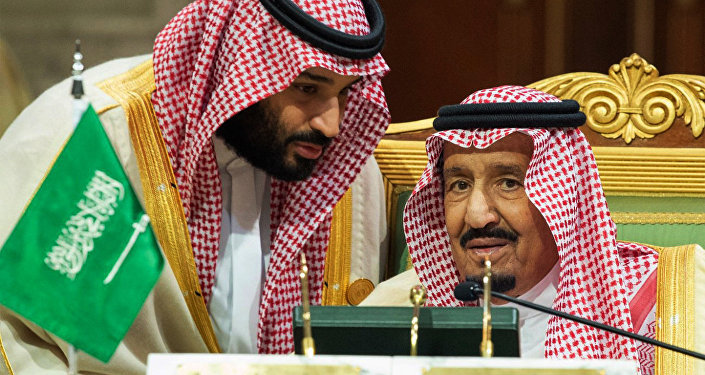 Suudi Arabistan Kralı Selman bin Abdülaziz el Suud  ile Veliaht Prensi Muhammed bin Selman