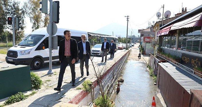 AK Parti İzmir Büyükşehir Belediye Başkan adayı Nihat Zeybekci
