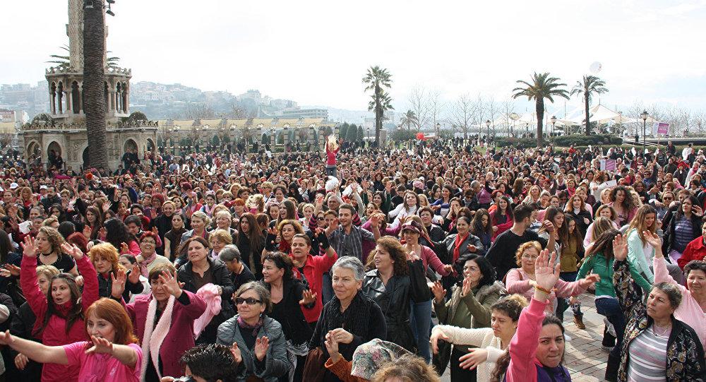 kadın - kadınlar - kalabalık- eylem