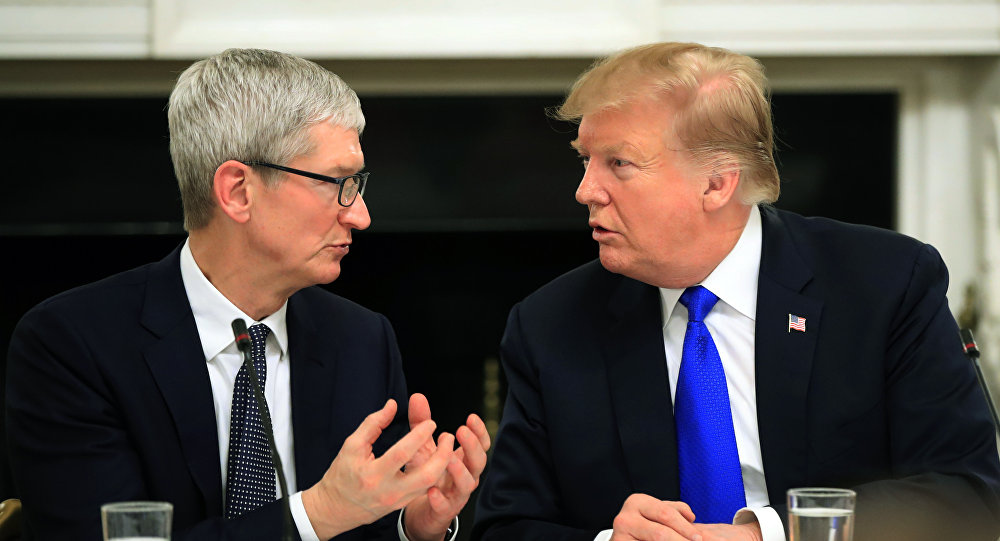 Tim Cook - Donald Trump
