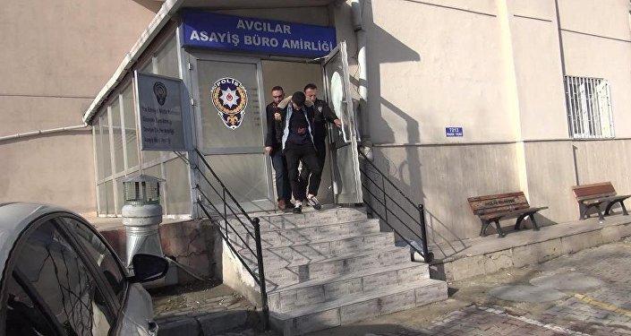 pantolon çalarken yakalanan İstanbul'da iş insanının oğlu