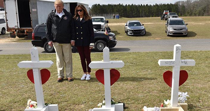 Donald Trump - Melania Trump - Alabama