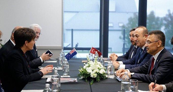 Cumhurbaşkanı Yardımcısı Fuat Oktay ve Dışişleri Bakanı Mevlüt Çavuşoğlu, Yeni Zelanda Genel Valisi Patsy Reddy ile bir araya geldi