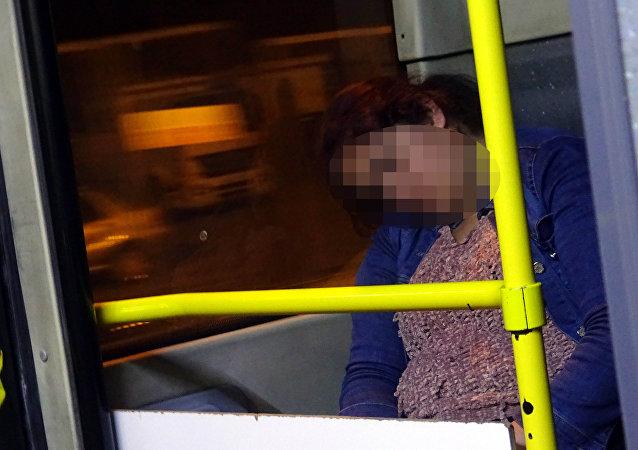 Genç kadın 5 aydır metrobüste kalıyor