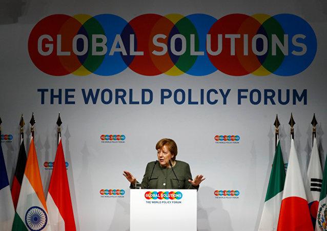 Almanya Başbakanı Angela Merkel, Berlin'deki Küresel Çözümler Zirvesi'nde konuştu.