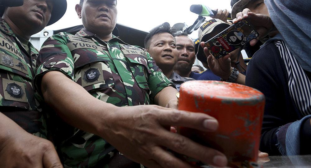 Endonezya'da 189 kişiyle denize çakılan Lion Air uçağının kara kutusu