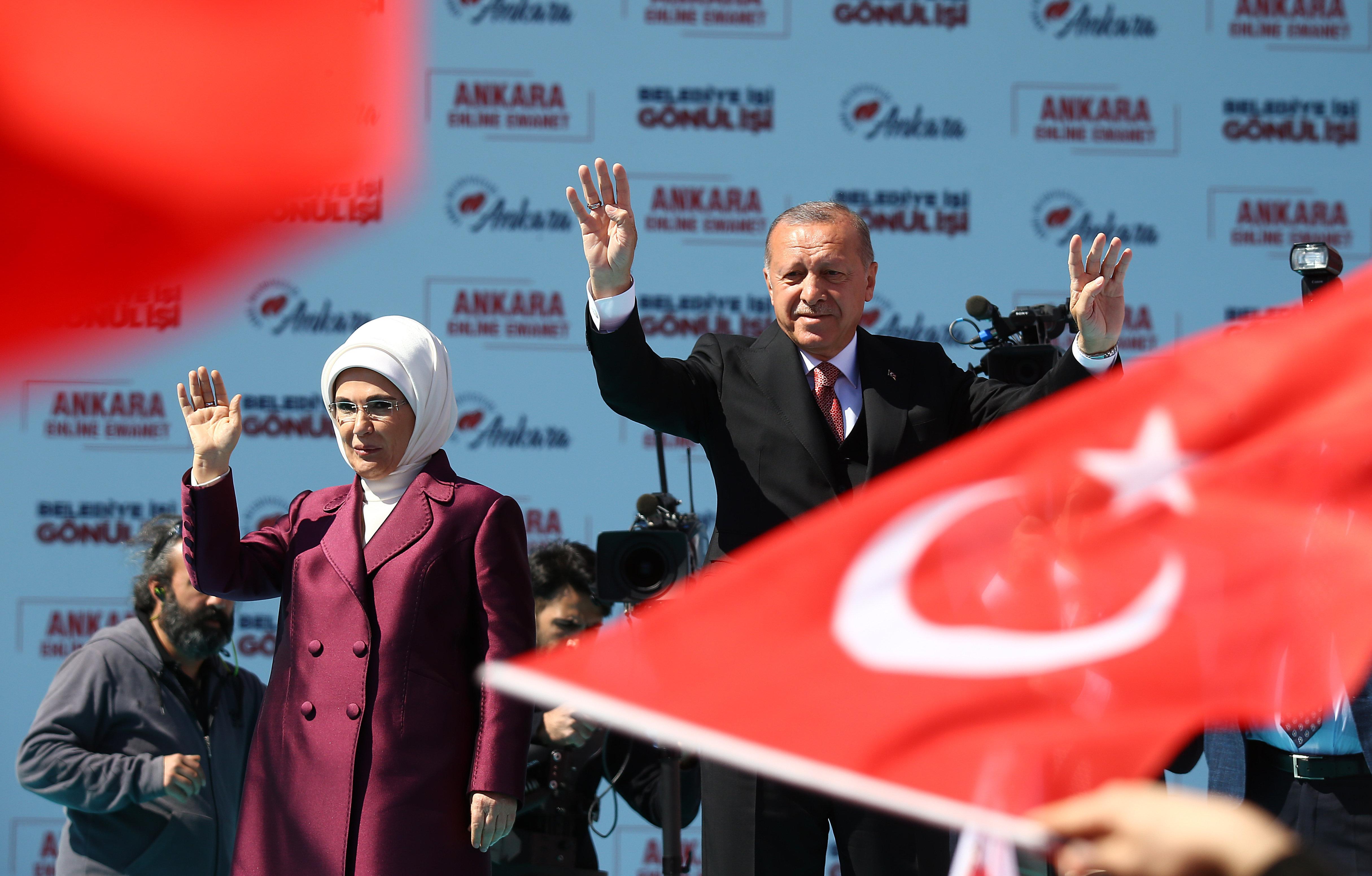 Cumhurbaşkanı Recep Tayyip Erdoğan ile eşi Emine Erdoğan