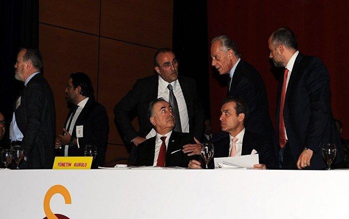Galatasaray'da Başkan Mustafa Cengiz yönetimi idari yönden ibra edilmedi