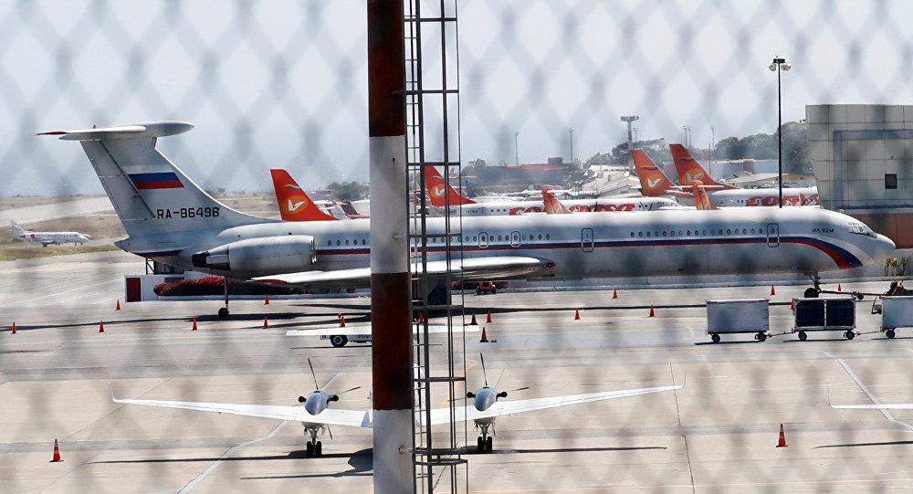 Rus askerleri taşıyan iki uçak Venezüella'ya geldi