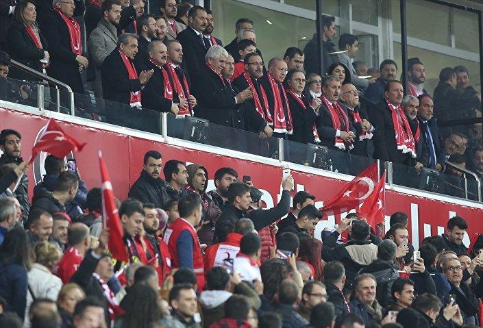 Cumhurbaşkanı Recep Tayyip Erdoğan, 2020 UEFA Avrupa Futbol Şampiyonası Elemeleri'ndeki Türkiye - Moldova maçını Yeni Eskişehir Stadı'nda izledi.