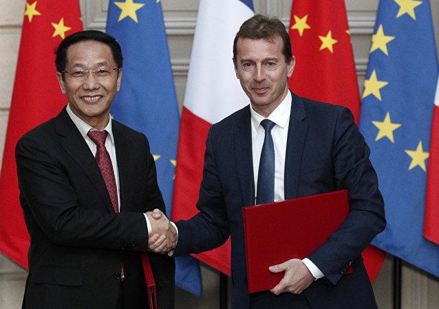 Çin Havacılık Malzemeleri (CASC) Başkanı Jia Baojun ile Airbus Başkanı Guillaume Faury