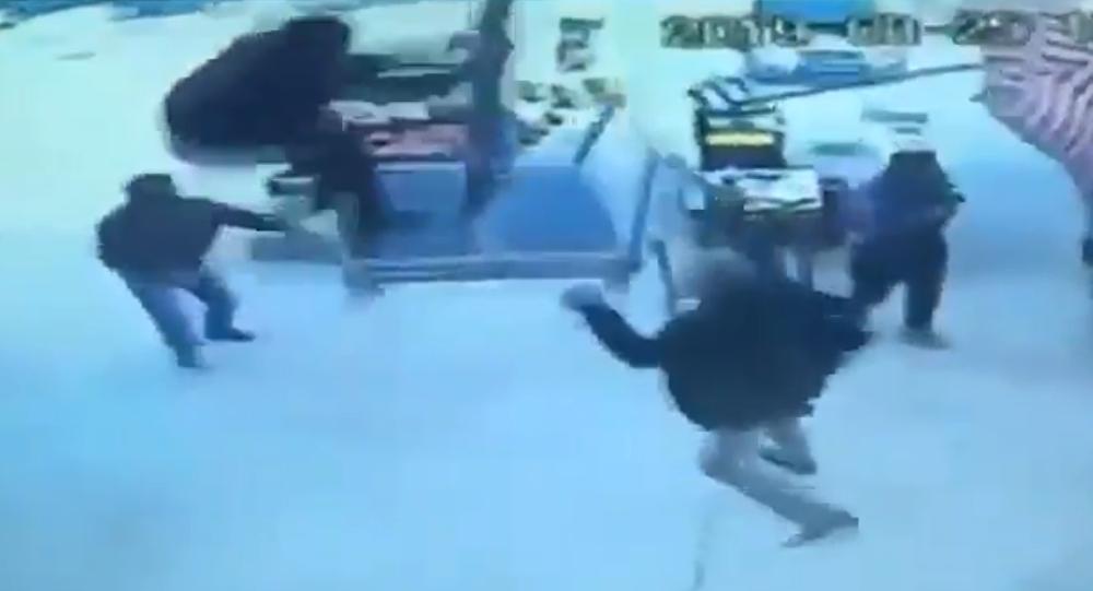 Hortumla uçan adam