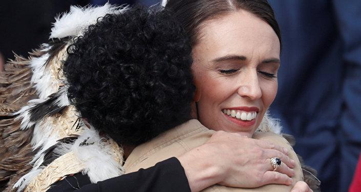 Yeni Zelanda Başbakanı Jacinda Ardern, saldırıların ardından düzenlenen anma törenine katıldı