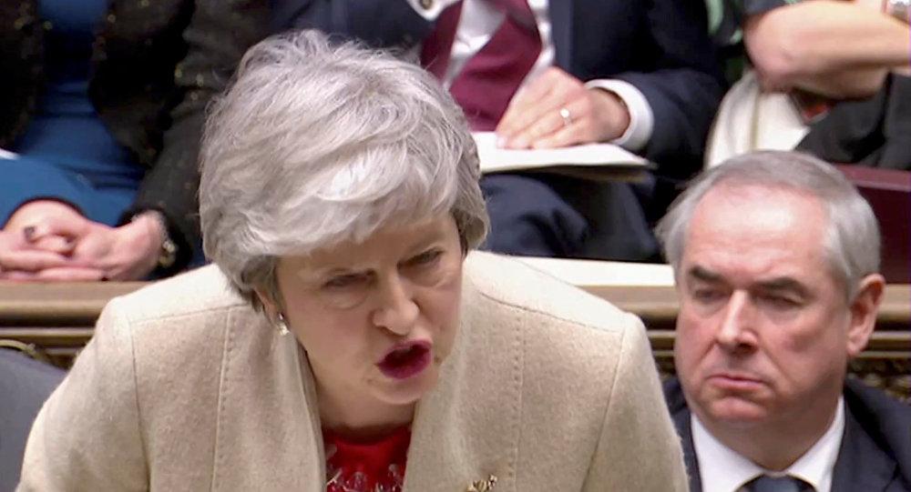 Muhafazakar Partili Başbakan Theresa May üçüncü oylamada da Avam Kamarası'nı Brexit anlaşmasını desteklemeye ikna edemedi.