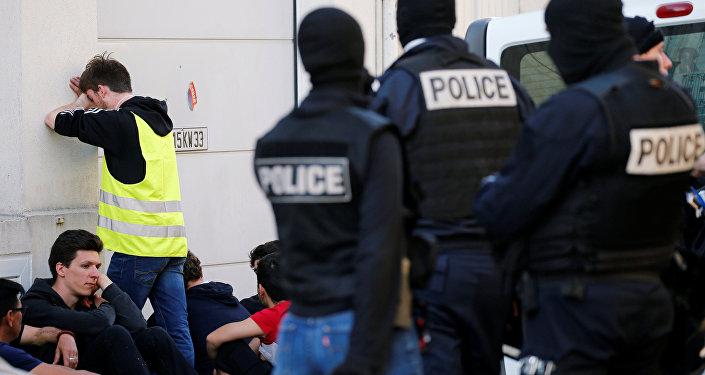 Fransa'daki Sarı Yelekler, gösterilerinin 20.haftasında - gözaltı