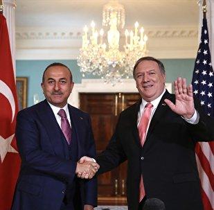Çavuşoğlu, ABD'li mevkidaşı Pompeo ile görüştü