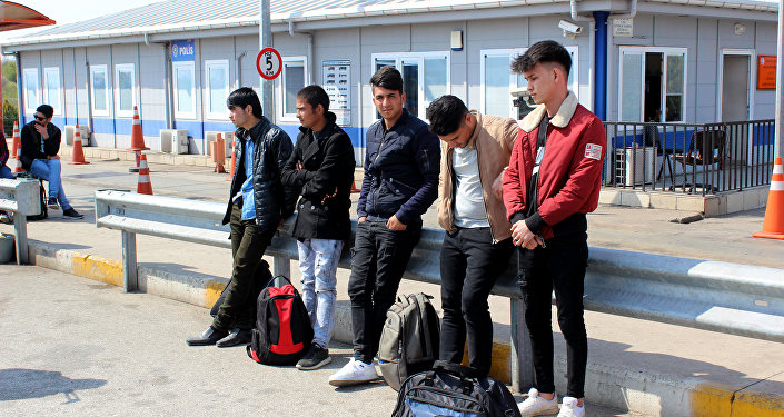 'Kaçak göçmenler Edirne'de toplanacak' iddiası polisleri teyakkuza geçirdi