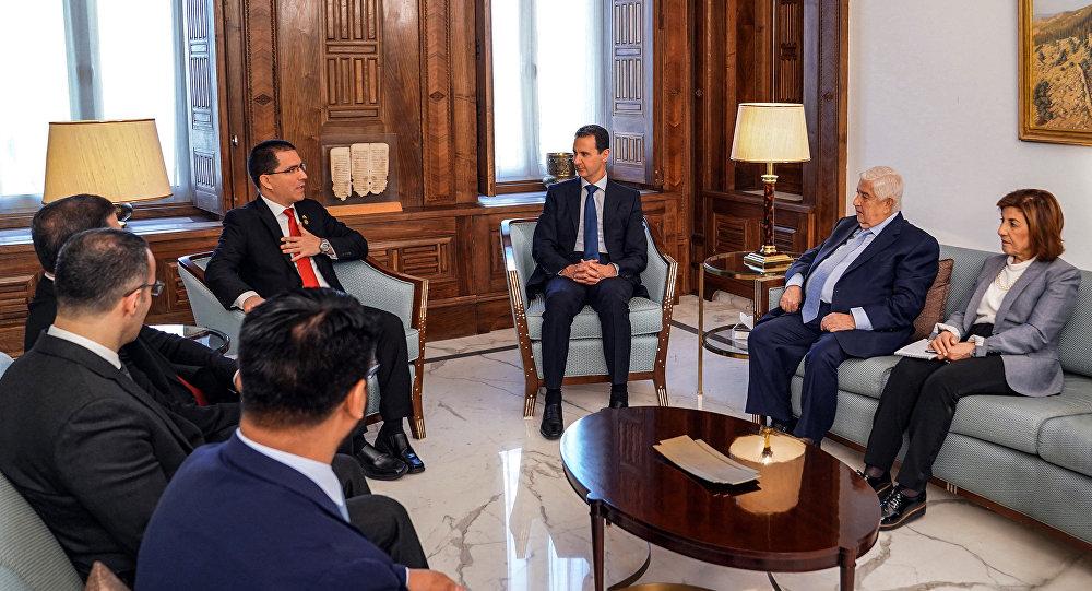 Suriye Başbakan Yardımcısı ve Dışişleri Bakanı Valid Muallem - Suriye'de Devlet Başkanı Beşar Esad - Venezüella Dışişleri Bakanı Jorge Arreaza